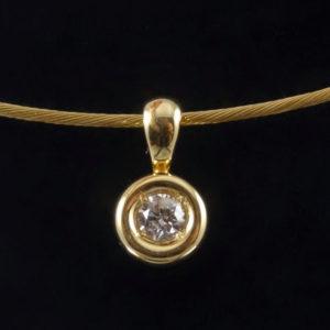 Tour de cou en or et diamant 0,18 ct